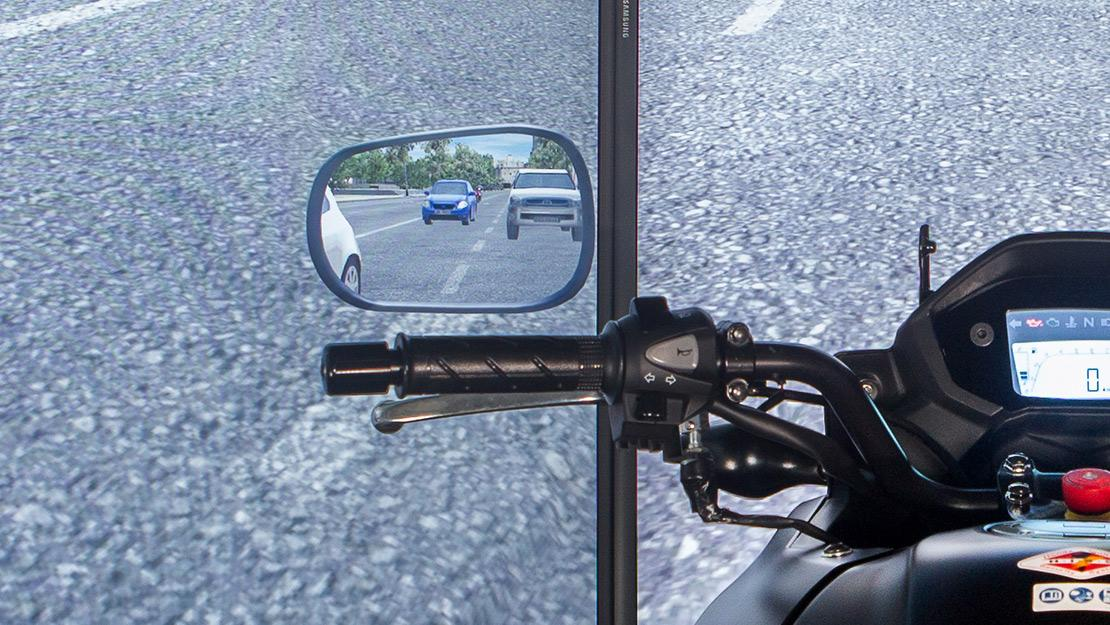 Rear-view mirrors like the real thing